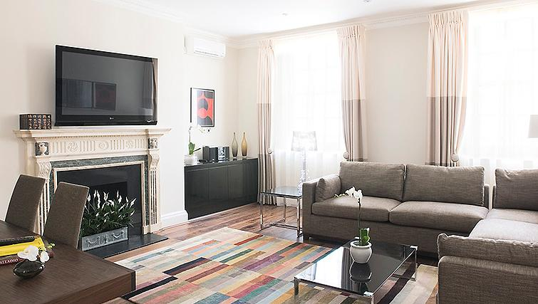 Large living area at 20 Hertford Street Apartments - Citybase Apartments