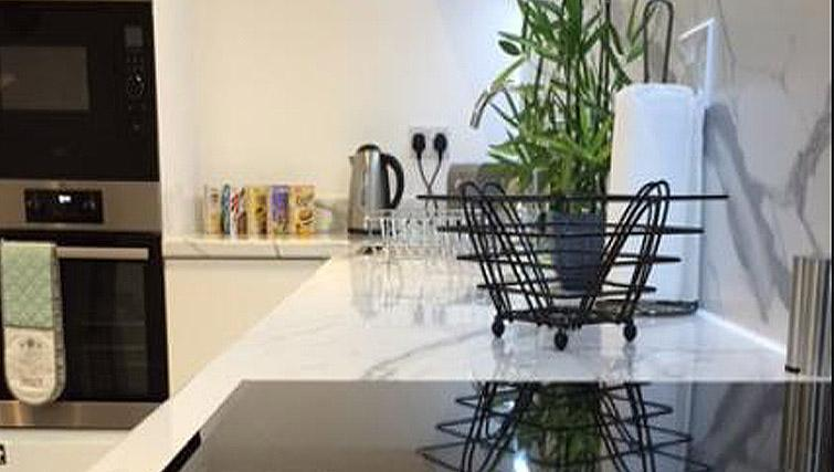 Equipped kitchen at London Square Apartment - Citybase Apartments