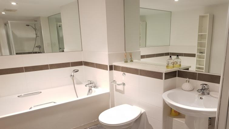 Bathroom at the River View Point Pleasant Apartment - Citybase Apartments