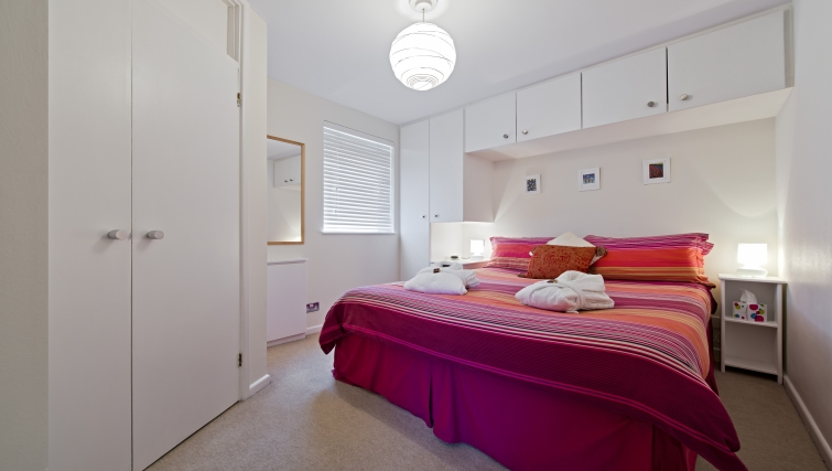 Bright bedroom in Christchurch Close Apartment - Citybase Apartments