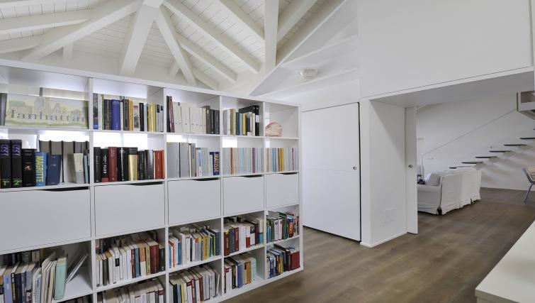 Bookcase at Curtatone Penthouse - Citybase Apartments