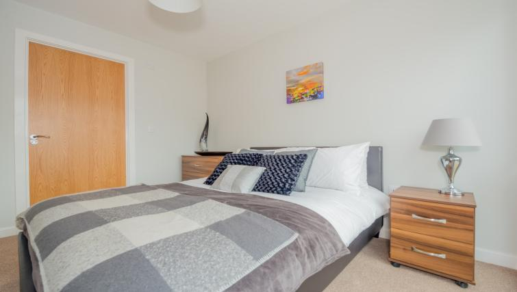 Double bed at East Point Apartments - Citybase Apartments