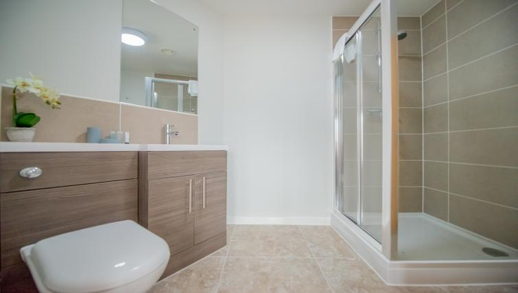 Shower at East Point Apartments - Citybase Apartments
