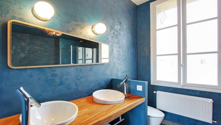Double sink at Charming Charlemagne Apartment - Citybase Apartments