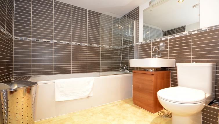 Bathroom at the Dixons Yard Apartment - Citybase Apartments
