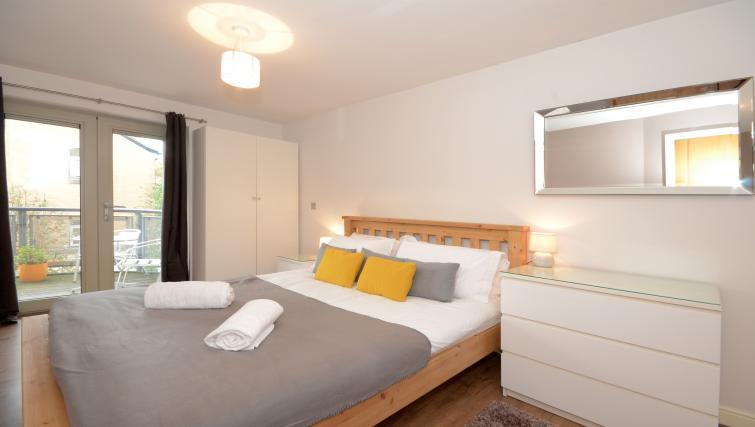 Bed at the Dixons Yard Apartment - Citybase Apartments