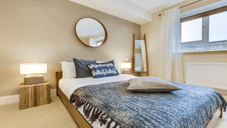 Large bed at the South Kensington Bute Street Apartments - Citybase Apartments