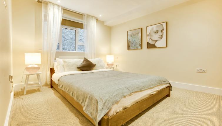 Bedroom at the South Kensington Bute Street Apartments - Citybase Apartments