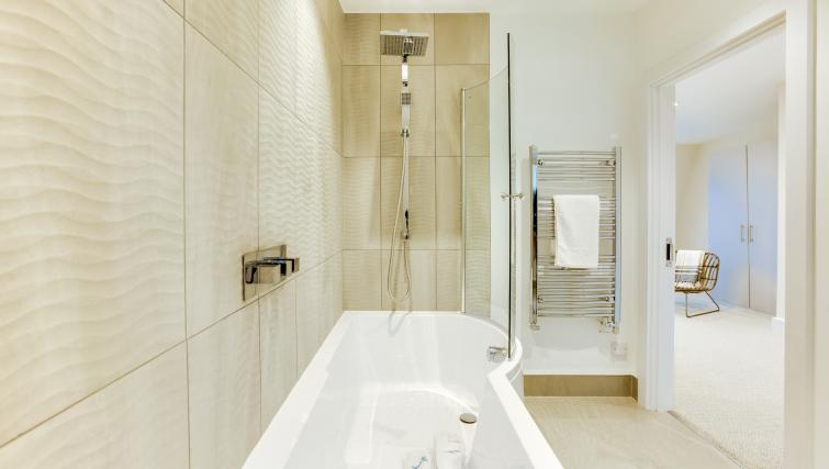 Bathroom at the South Kensington Bute Street Apartments - Citybase Apartments