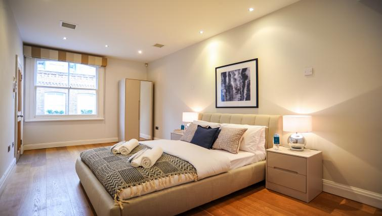 Bed at the Genesis in Kensington Apartment - Citybase Apartments