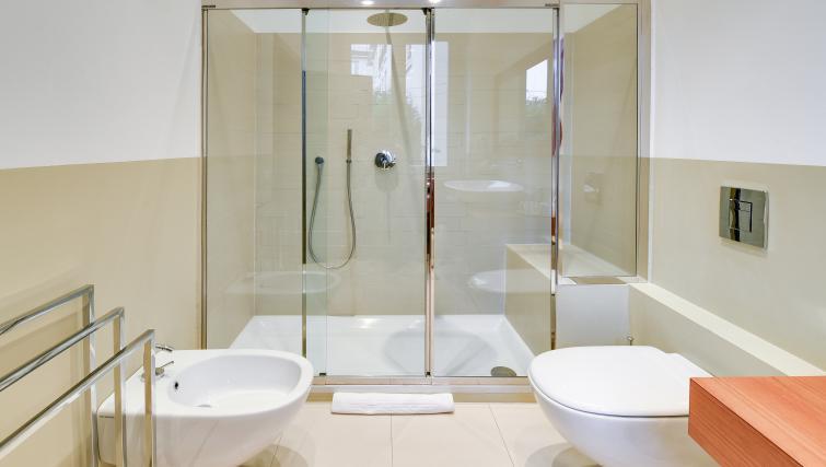 Bathroom at the Cerva Milano Apartment - Citybase Apartments