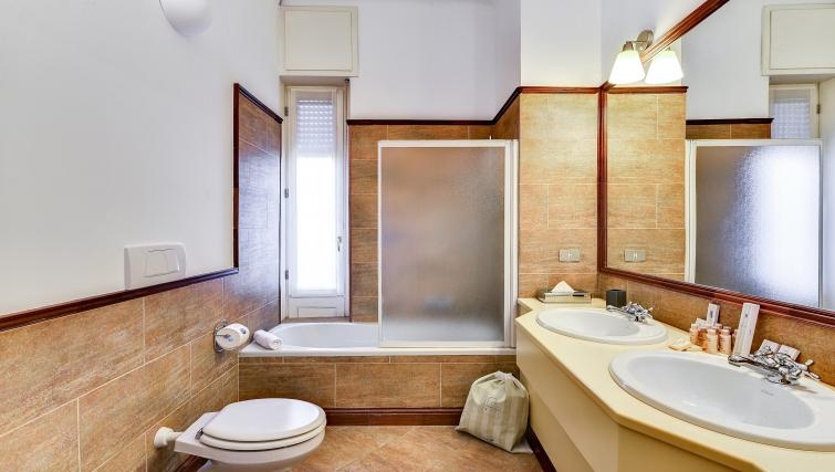 Bathroom at the Ciovasso Apartment - Citybase Apartments