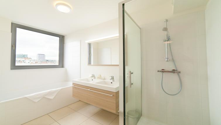 Bathroom at Argent Apartments - Citybase Apartments