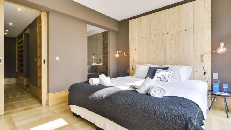 Bedroom at Couronne Apartments - Citybase Apartments