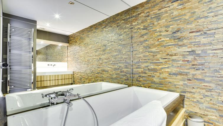 Bathroom at Couronne Apartments - Citybase Apartments