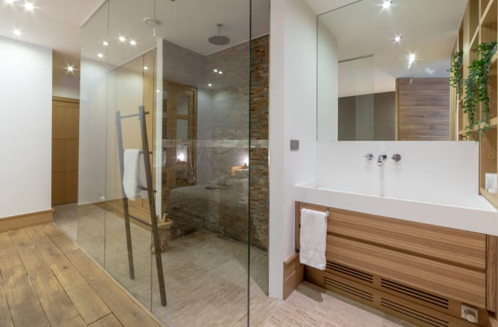 Modern shower at Couronne Apartments - Citybase Apartments