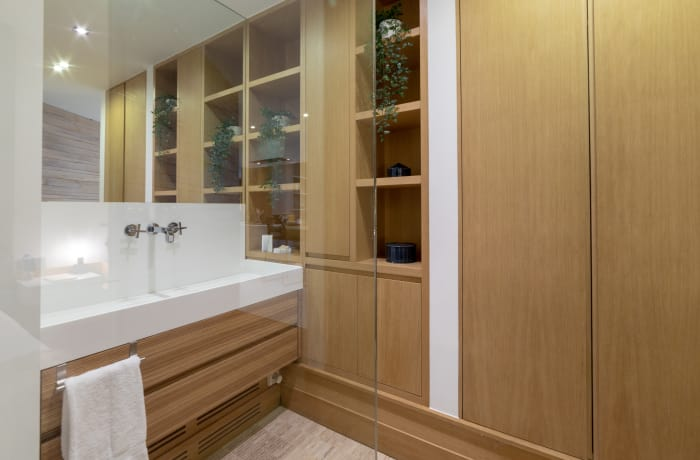 Sink at Couronne Apartments - Citybase Apartments