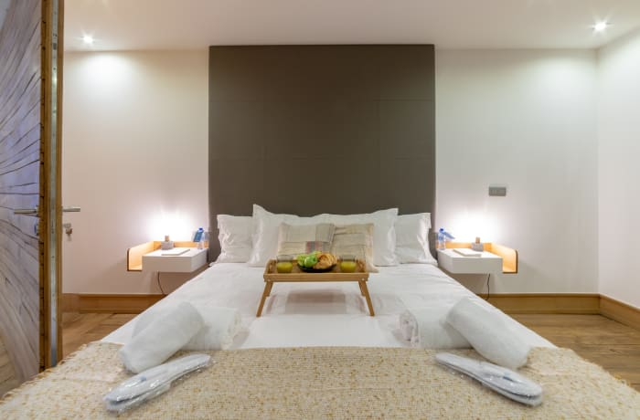 Master bedroom at Couronne Apartments - Citybase Apartments