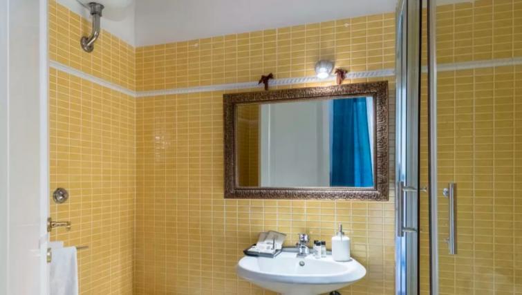Bathroom at the Specchi Apartment - Citybase Apartments