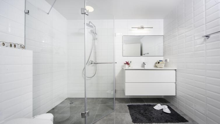 Bathroom at the Allenby Apartments - Citybase Apartments