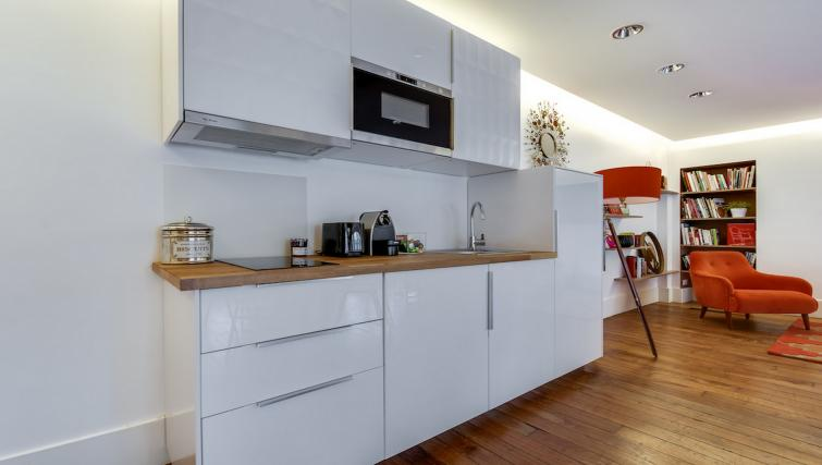 Kitchen at the Amiral de Coligny Apartment - Citybase Apartments