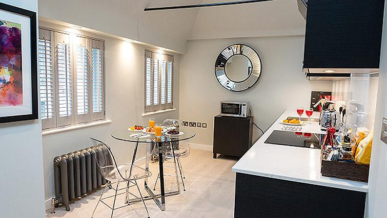 Spacious kitchen at Living area at the Clarendon 44 Wellington Street Apartments - Citybase Apartments