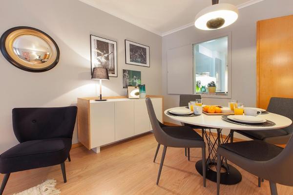 Dining table at Liberdade Executive Apartments - Citybase Apartments