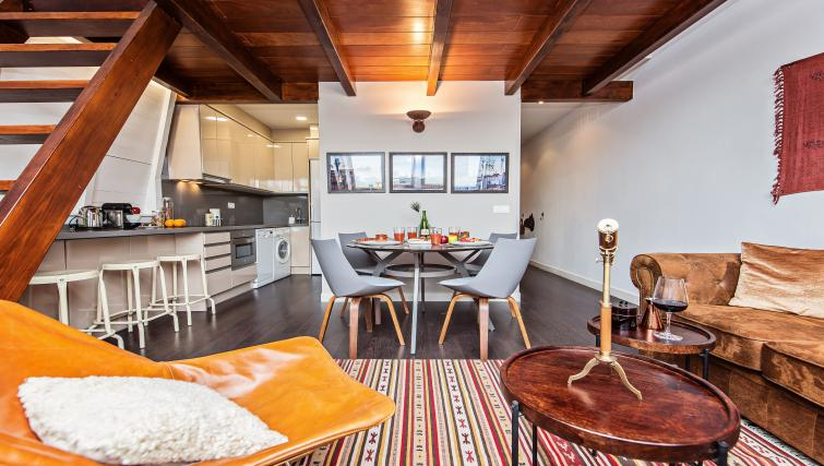 Modern apartment at Paseo de Gracia Apartments - Citybase Apartments