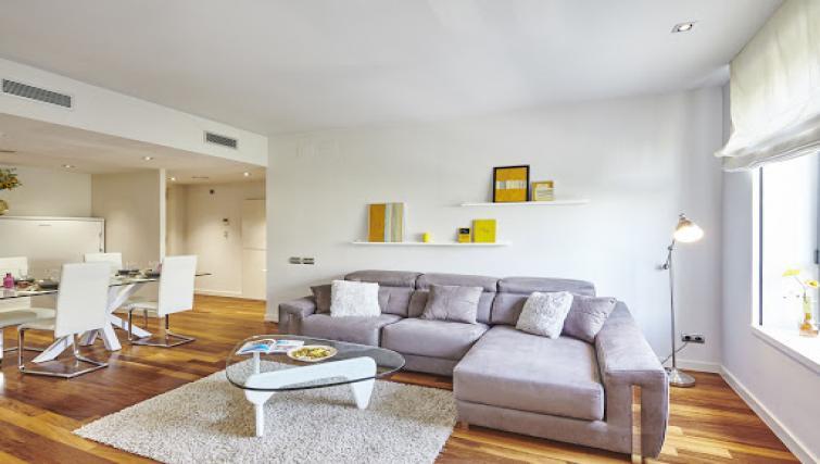 Living area at Paseo de Gracia Apartments - Citybase Apartments