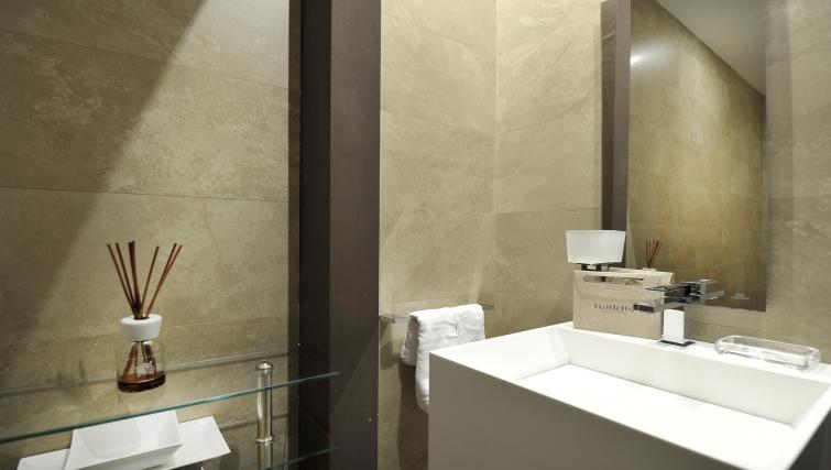 Sink at Foro Buonaparte Apartment - Citybase Apartments