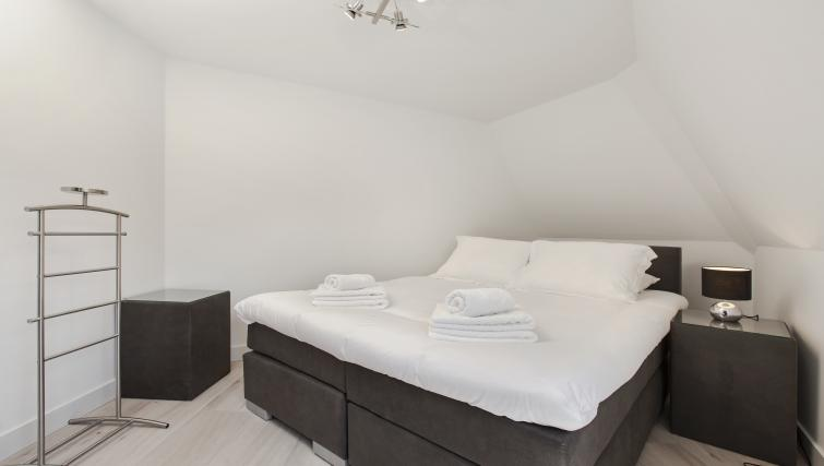 Cosy bedroom at the Windmill Apartments - Citybase Apartments