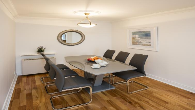 Dining area at The Berkeley Apartments - Citybase Apartments