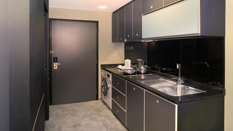 Kitchen facilities at the Orchard Grand Court Serviced Apartments, Singapore - Citybase Apartments