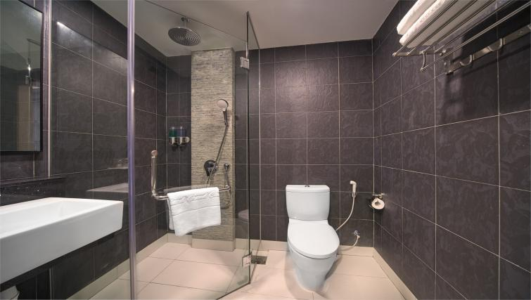Bathroom at the Orchard Grand Court Serviced Apartments, Singapore - Citybase Apartments