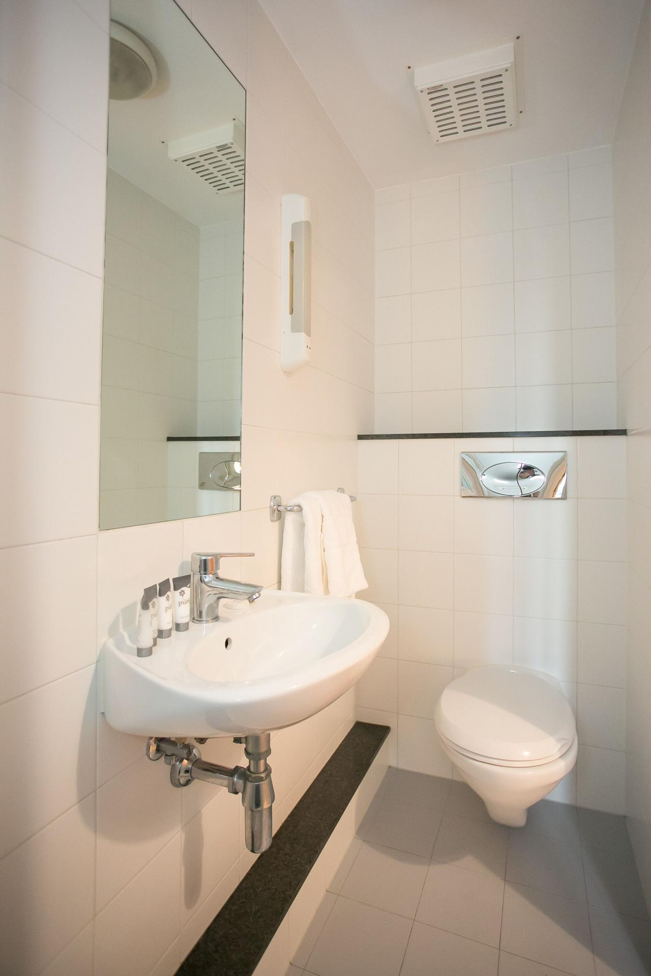 Bathroom at the Grand Canal Apartments - Citybase Apartments
