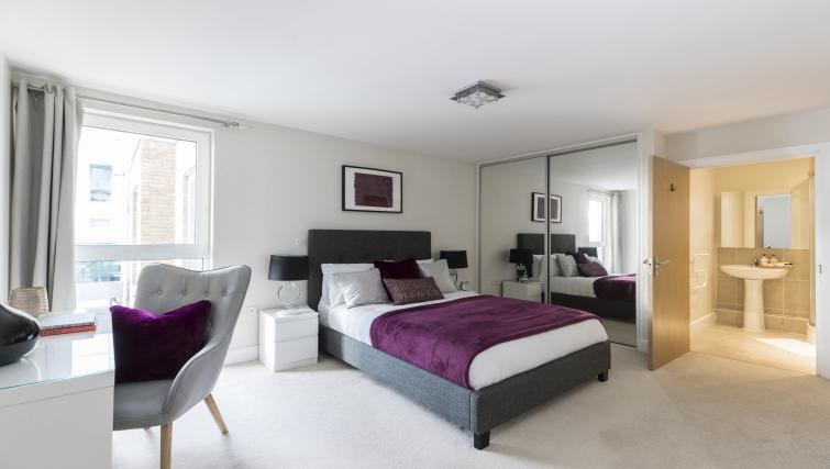 Bed at the Hammersmith Haven Apartment - Citybase Apartments
