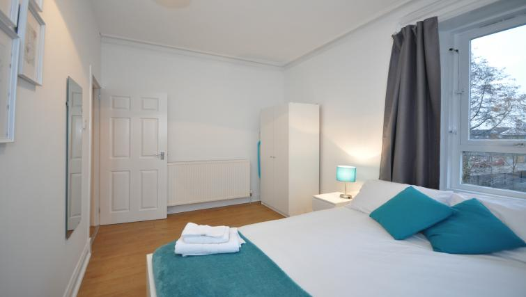 Double bed at Elderpark Apartments - Citybase Apartments