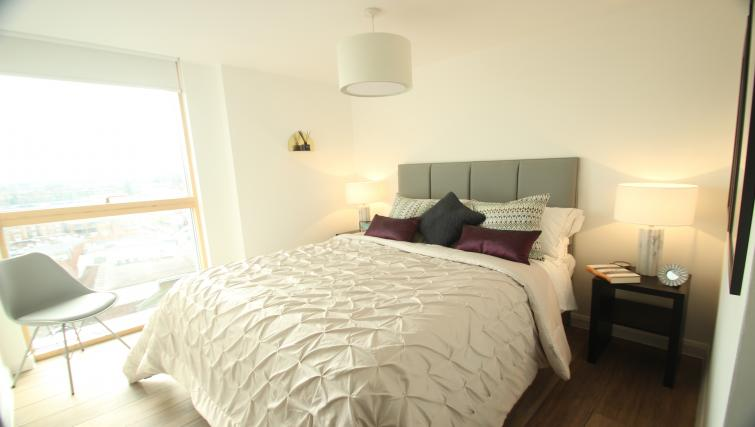Bedroom at The Berkshire House - Citybase Apartments
