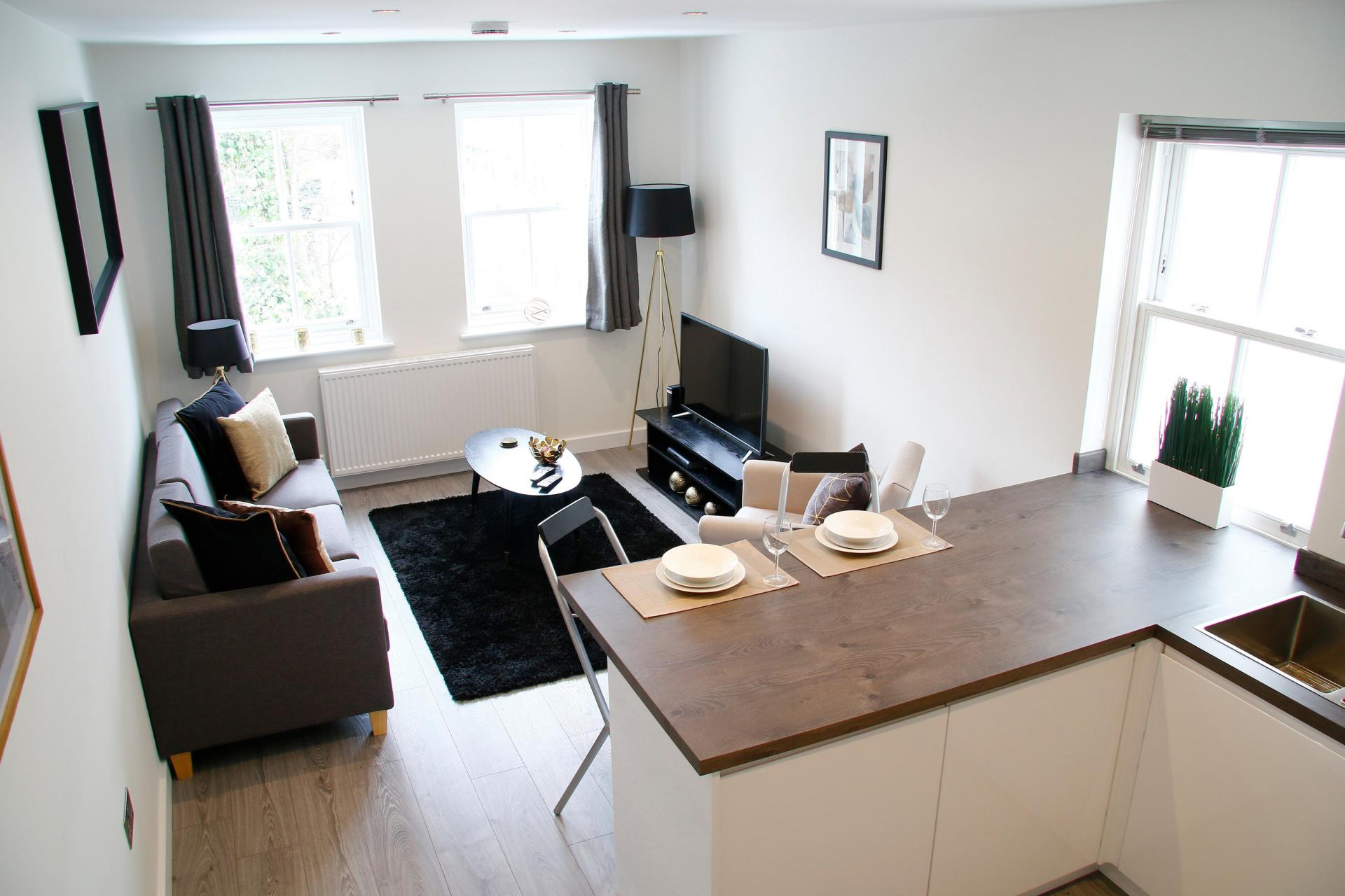 Lounge in Derbyshire  House, St Albans - Citybase Apartments