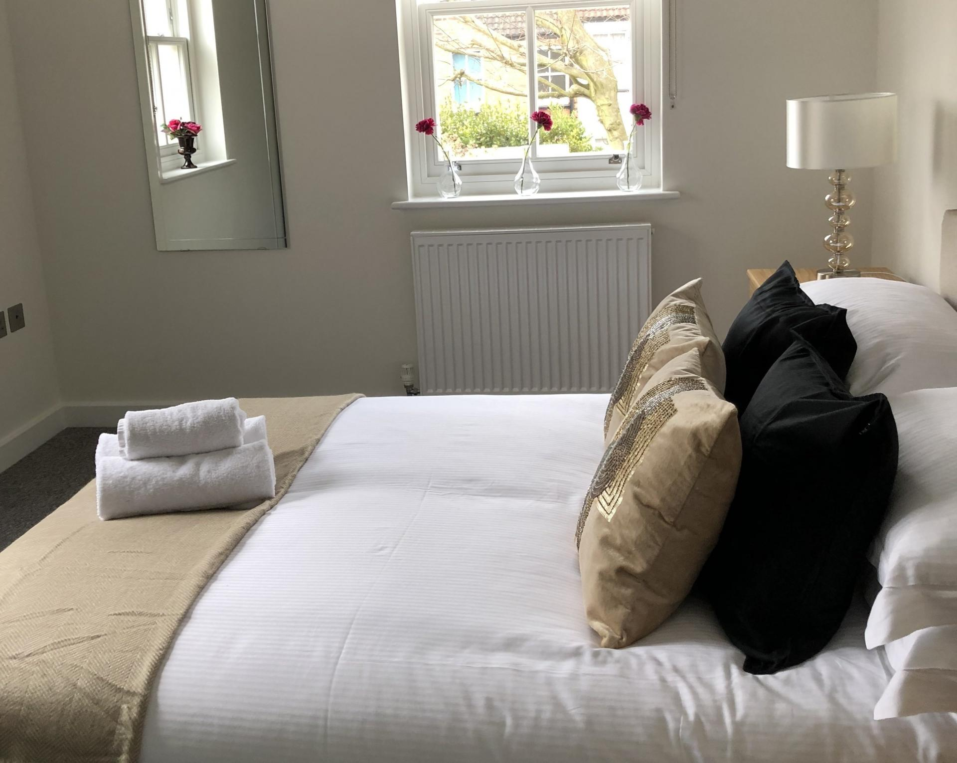Bed at Derbyshire House, St Albans - Citybase Apartments
