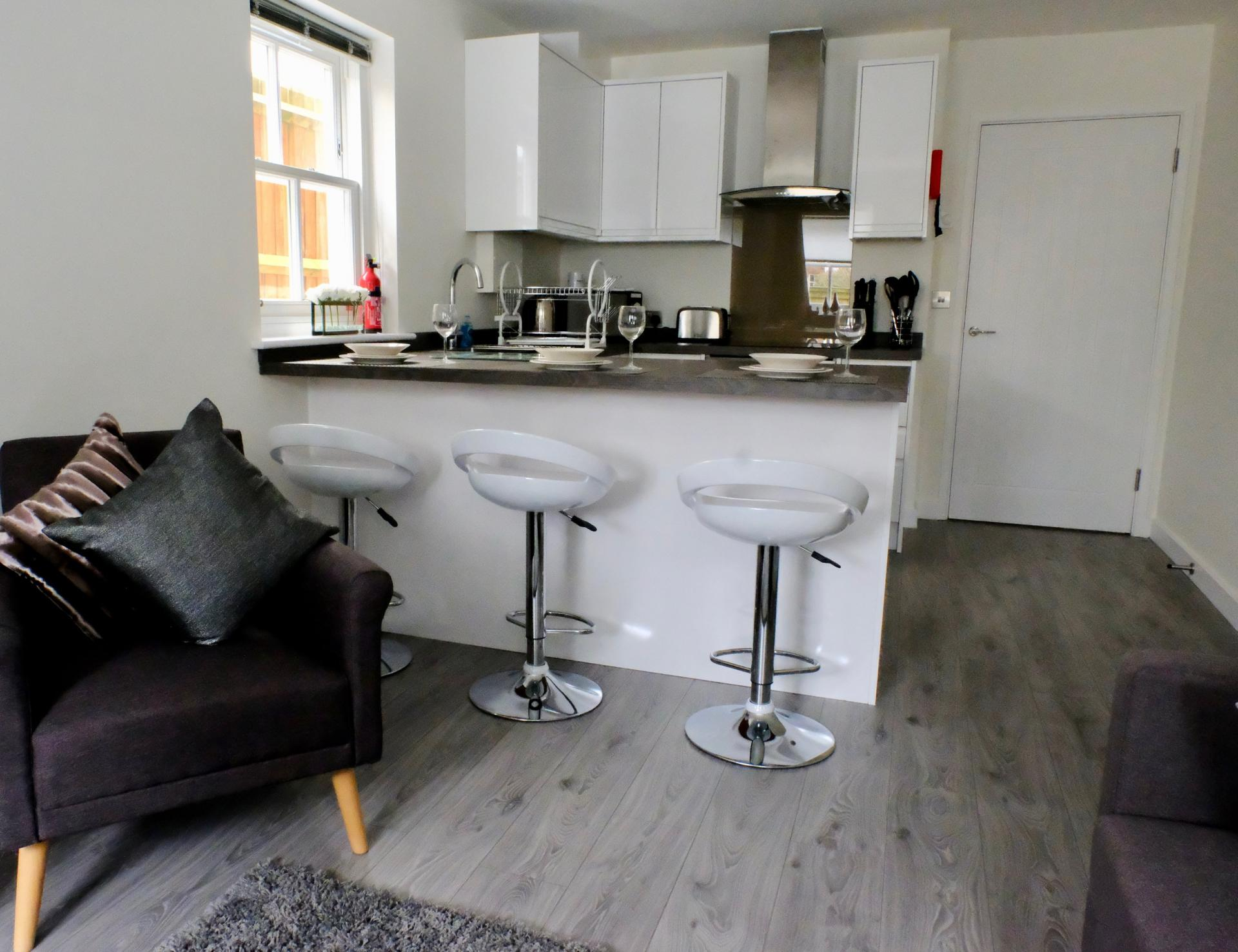 Breakfast bar at Derbyshire House, St Albans - Citybase Apartments