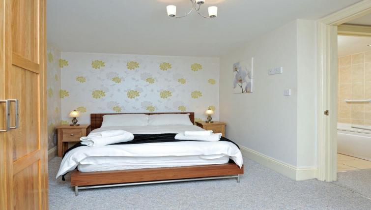 Bedroom at the Trinity Mews Apartment - Citybase Apartments
