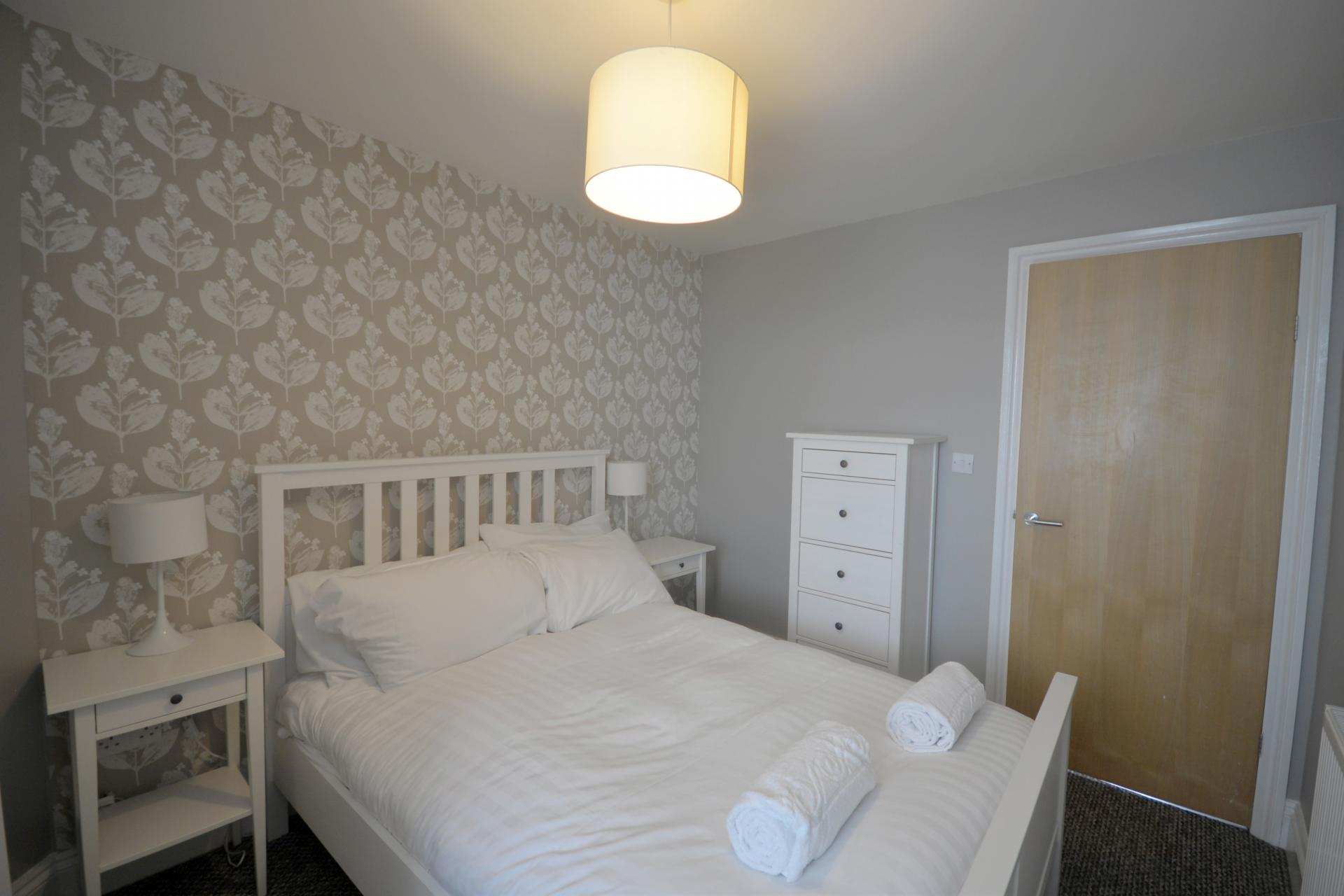 White linen at Trinity Mews Apartment, Babbacombe, Torquay - Citybase Apartments