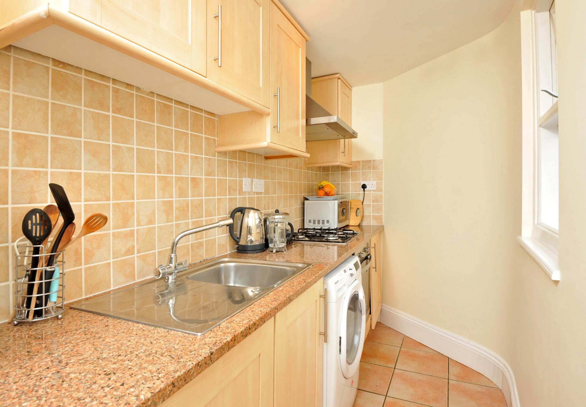 Worktop at Trinity Mews Apartment, Babbacombe, Torquay - Citybase Apartments