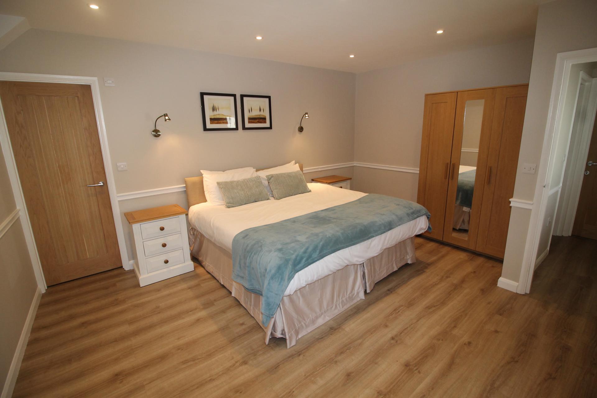 Spacious room at No 18 Apartments - Citybase Apartments