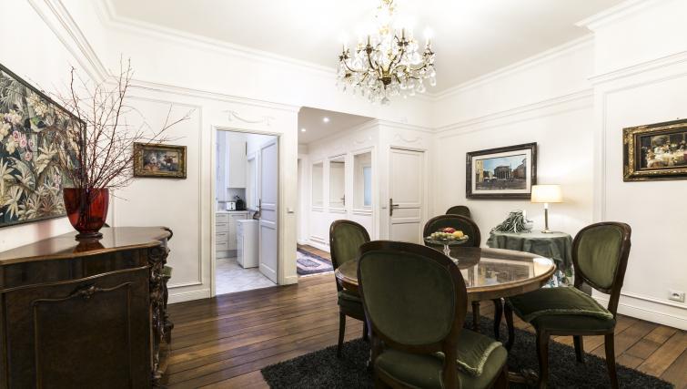 Dining room at Bonaparte Apartment - Citybase Apartments