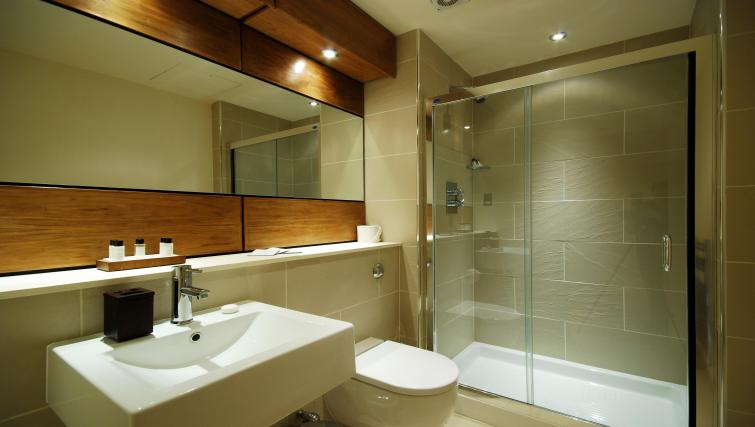 Bathroom at 1 Harrington Gardens - Citybase Apartments