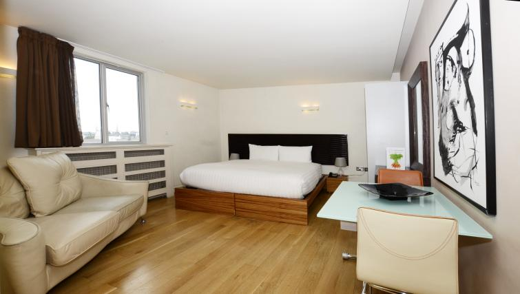 Bed in large studio at 1 Harrington Gardens - Citybase Apartments