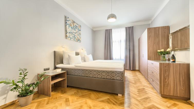 Double bed at Dusni 13 Apartment - Citybase Apartments