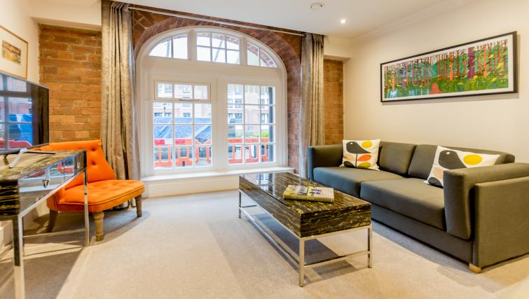 Lounge at Cocoa Suites - Citybase Apartments